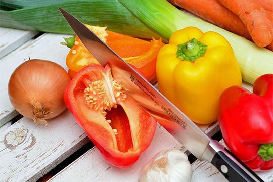 Gemüserisotto, Blattsalat und Parmesan