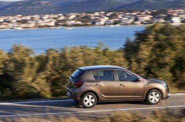 Auto Revue testet Dacia Sandero gegen Skoda Fabia
