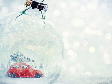 Weihnachtsschmuck fürs Auto: Nicht alles ist erlaubt!
