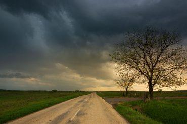 Autofahren bei starkem Wind: die unsichtbare Gefahr
