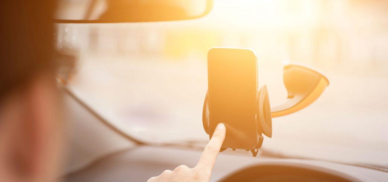 Sicher telefonieren während der Fahrt - Freisprecheinrichtungen